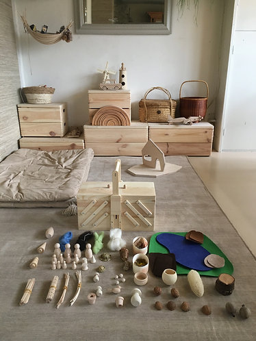 Open end play set for peg doll and doll house