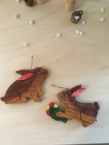 2 wooden Hare