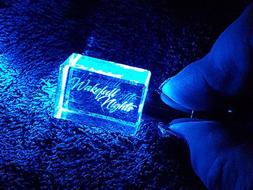 Schlüsselanhänger, kristall, LED-Beleuchtung, inkl. Schlüsselring u. Batterie