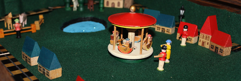 Bespoke Vintage Toy Box - Smallworld