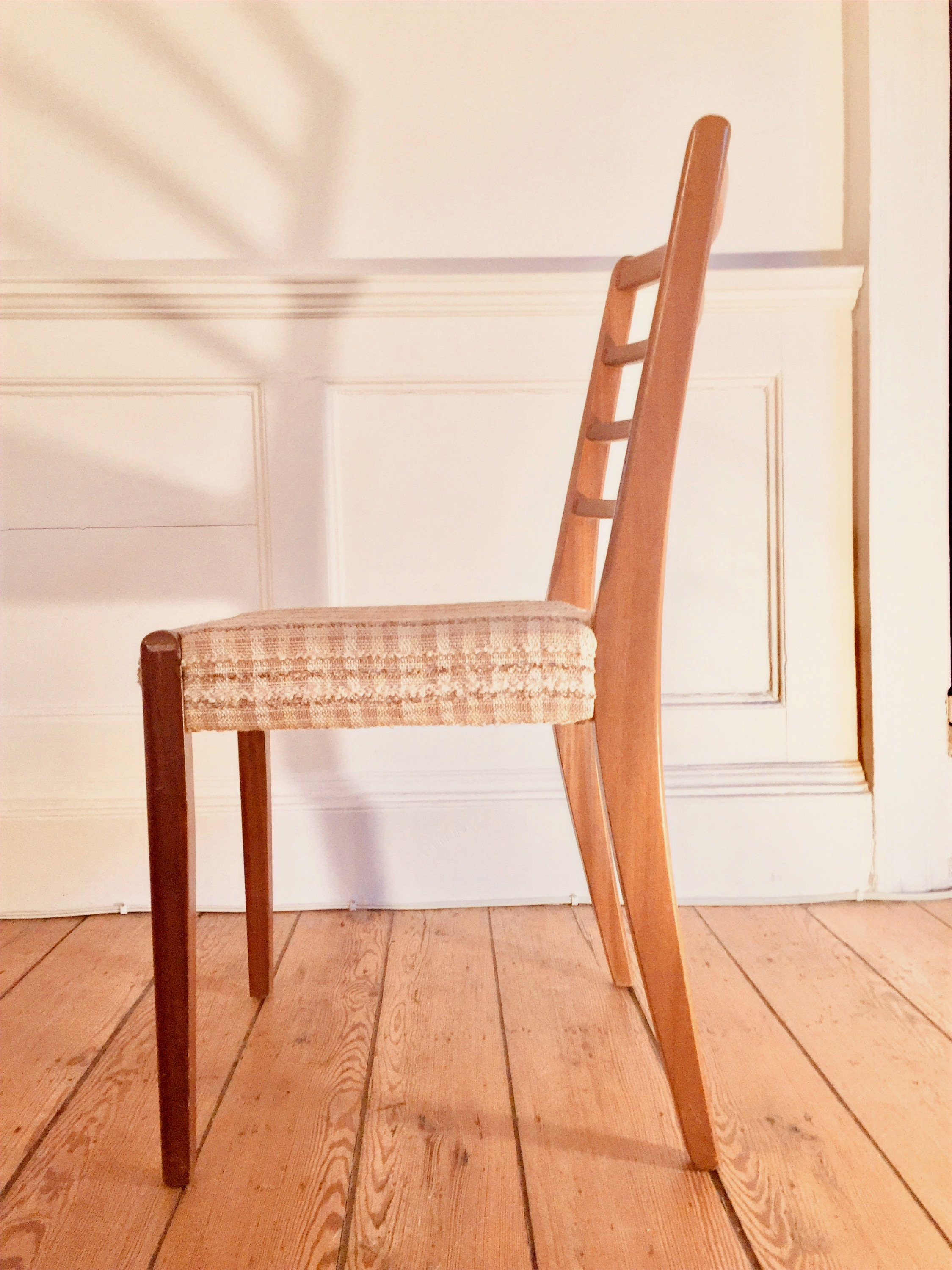 Retro Dining Chairs (4)