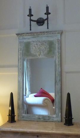 Distressed decorative mirror