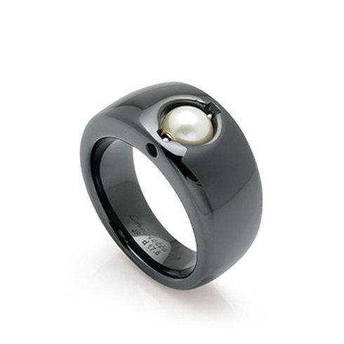 Black Ceramic Charlotte Ring