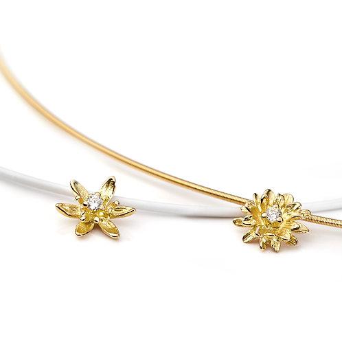 DIAMOND FLOWER Lily Pendant
