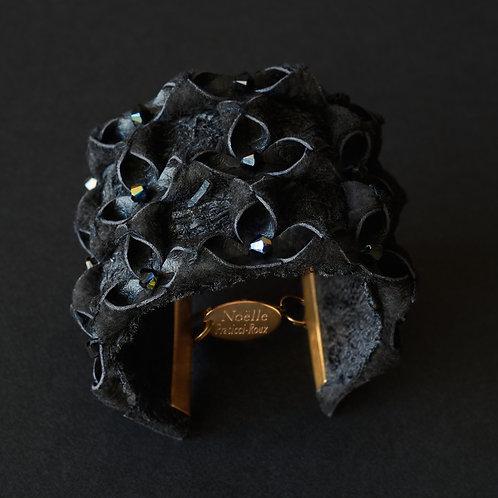 Bracelet Origami, dentelle faite à la main et perles Swarovski