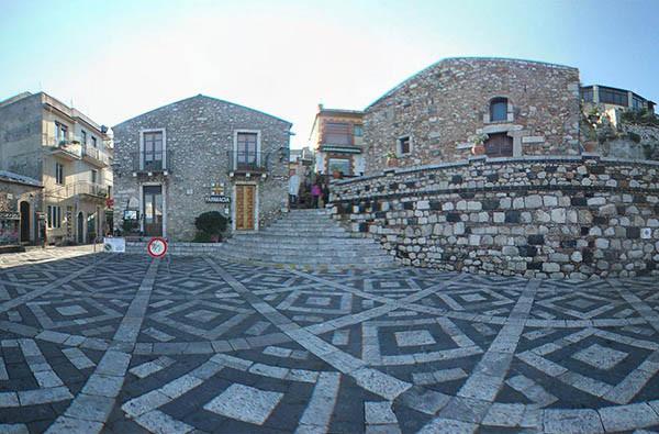 Castelmola, Escursione in quad Taormina