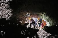 Esplorazione Grotta, Etna Jeep Tour