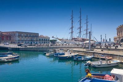 Tour in Barca Ortigia