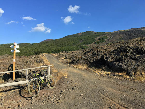 Tour Electric Bike, Etna Amazing