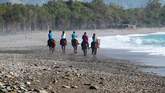 Passeggiata a cavallo sulla spiaggia, Recanati