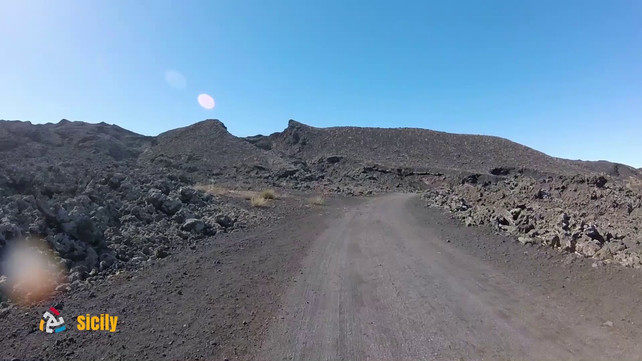 The beautiful paths of Etna