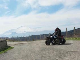 Vista Etna innevata, Escursioni in Quad Nebrodi