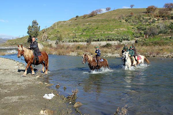 Passeggiata a cavallo Sicilia, Guado