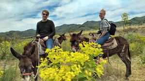 Facce felici durante Escursione a dorso d'Asino, Sicilia