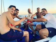 Aperitif during boat excursion in Ortigia