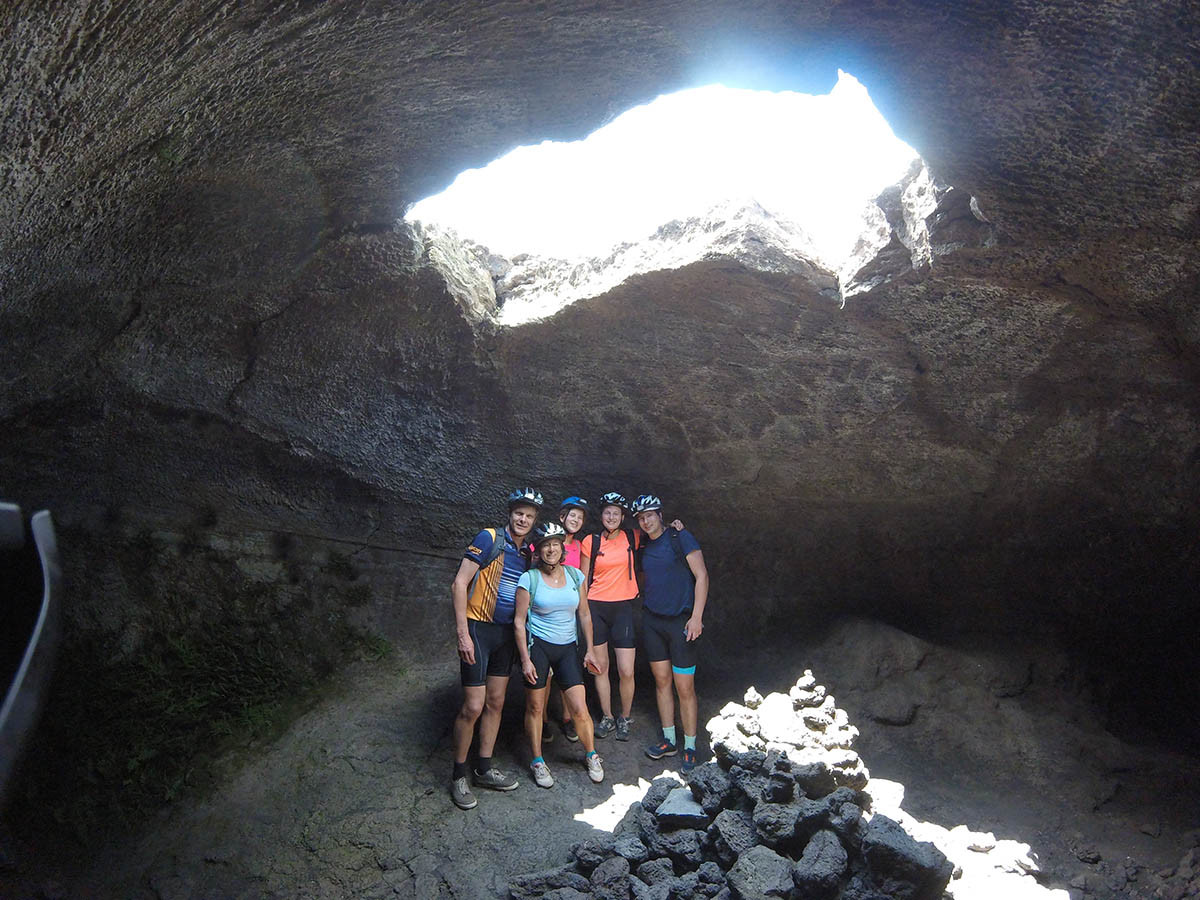 Cycling mount Etna, Cave