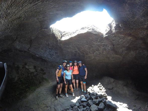 Escursione in eBike Etna, Esplorazione Grotta