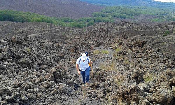 Etna, Climbing over a lava field