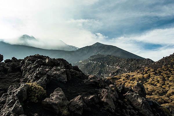 Etna Trekking, Rocce laviche