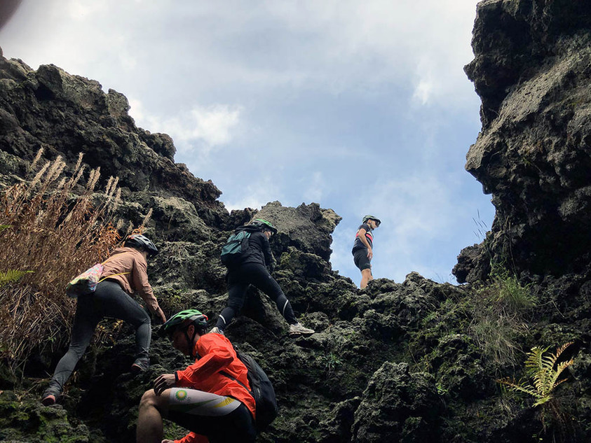 Etna Wild, Uscita dalla grotta