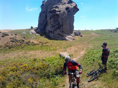 Escursioni in Bici Sicilia, Megaliti