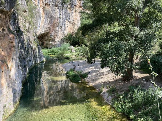 Piccola oasi lungo il fiume, Pantalica Trekking