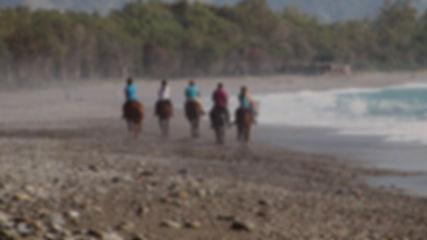 Cosa fare a Pasquetta, A cavallo sulla Spiaggia