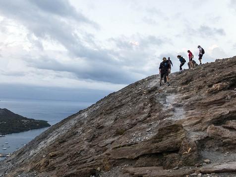 Going down, Aeolian Island Excursion