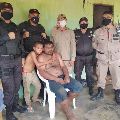 AREIA BRANCA, POLICIA MILITAR E CORPO DE BOMBEIROS RESGATAM PAI E FILHO PERDIDO NA MATA