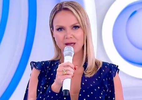 APRESENTADORA DO SBT, ELIANA TESTA POSITIVO PARA COVID-19 E É AFASTADA PELA A EMISSORA