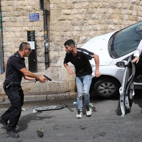 CONFRONTO ENTRE PALESTINOS E ISRAELENSES DEIXA MAIS DE 300 FERIDOS EM JERUSALÉM