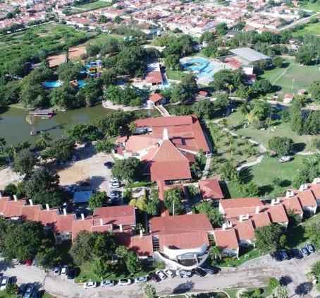 HOTEL THERMAS DE MOSSORÓ DEMITE MAIS DE 200 FUNCIONÁRIOS E SUSPENDE FUNCIONAMENTO