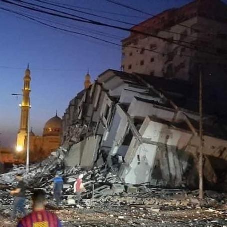 ISRAEL DERRUBA PRÉDIO RESIDENCIAL DE 13 ANDARES EM ATAQUE CONTRA FAIXA DE GAZA