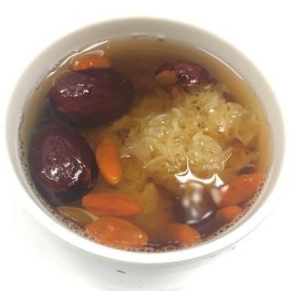 滋潤糖水燉咩好? Sweet soup ideas?