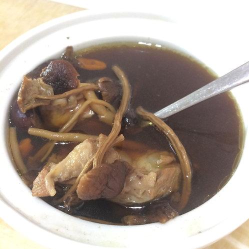 #001 茶樹菇瑤柱桂圓黑豆湯