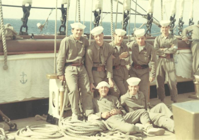 foto allievi squadra manovra Vespucci 1968.jpg