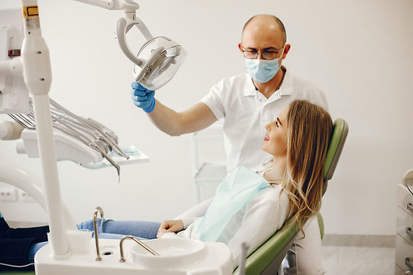 beautiful-girl-sitting-in-the-dentist-s-