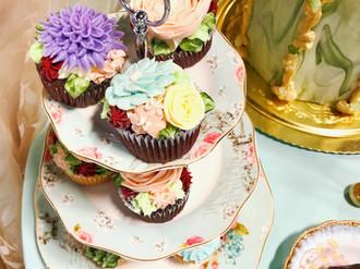 Intricate garden cupcakes!