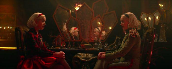 Juntas as Sabrinas se complementam, no entanto, a Morningstar cresceu em seu tempo no inferno