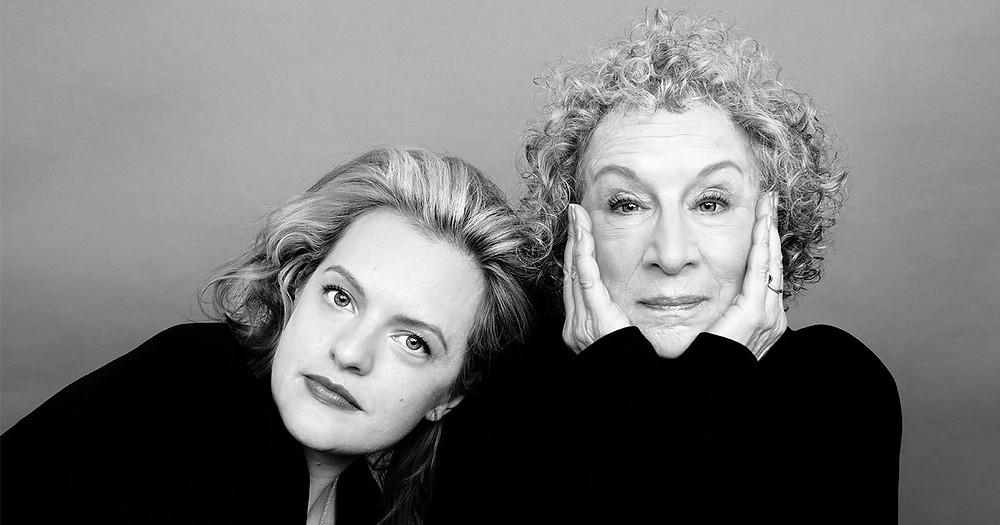 Margaret Atwood e Elisabeth Moss