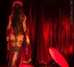 _festaasimetria #burlesque #burlesqueshow #divas #luxurylife #dance #dancing #danca #luxo #brazilian
