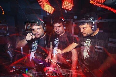 #DJ _maraskin at #pickups ! _velvetpub #nightlife #djlife #nightportrait #multipleexposures #night #