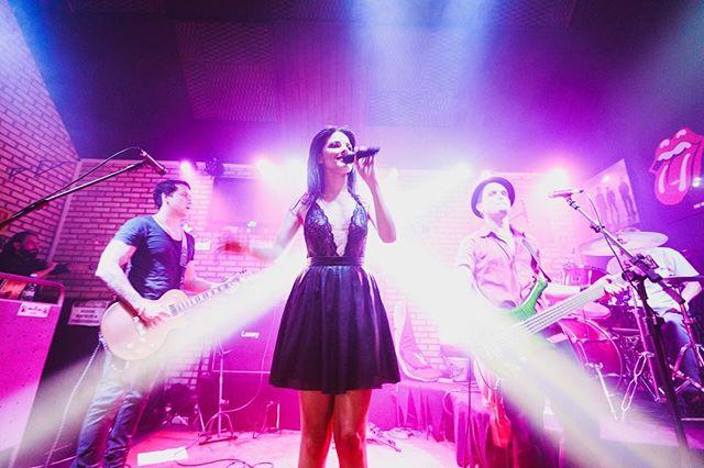 #rockandrollnight _bandaheat _manuhga #cantora #singer #rock #concert #show #nightphotograpy #concer