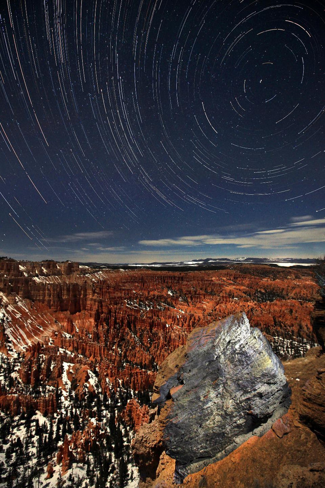 zaklad+svetly_bryce_canyon_startrails_na