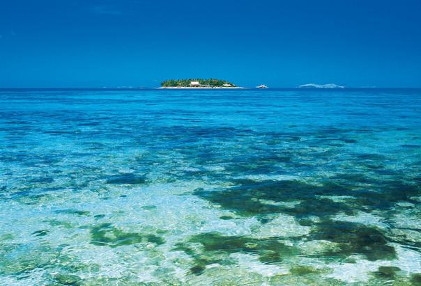 beachcomber_island_-__fiji_20101105_1011