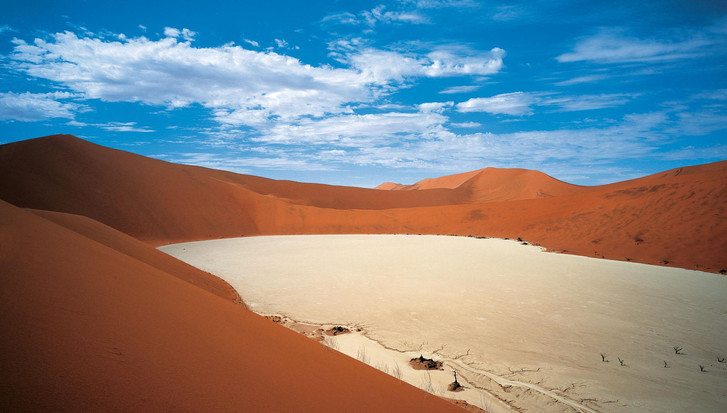 dead_vlei_from_the_top_080_20101105_1111