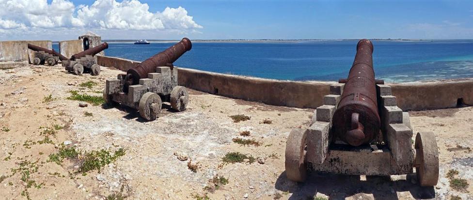 dsc00674_-_dsc00677_mozambique_island,_m