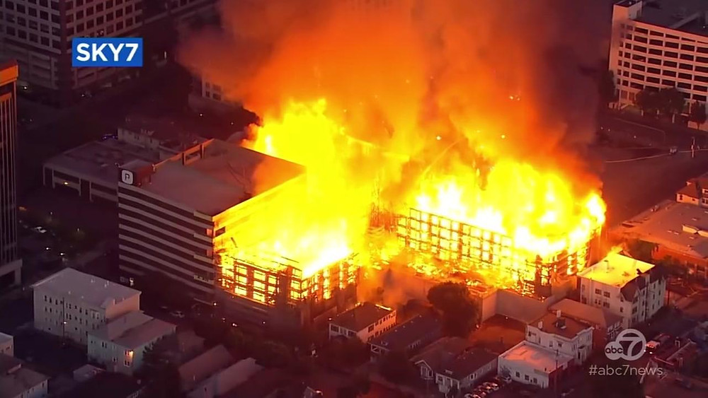 Building fire in Oakland CA  Credit ABC 7 News