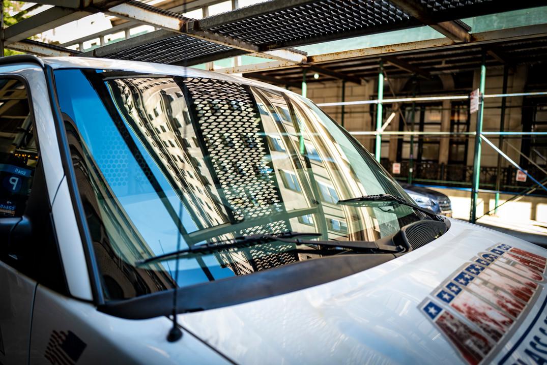 windshieldReflectionLAdder.JPG