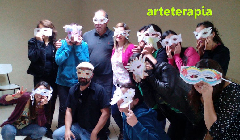 Punto Ultra. arteterapia en chile, curso de arteterapia en santiago, arteterapia integral, sanar con música, teatro terapia. formación